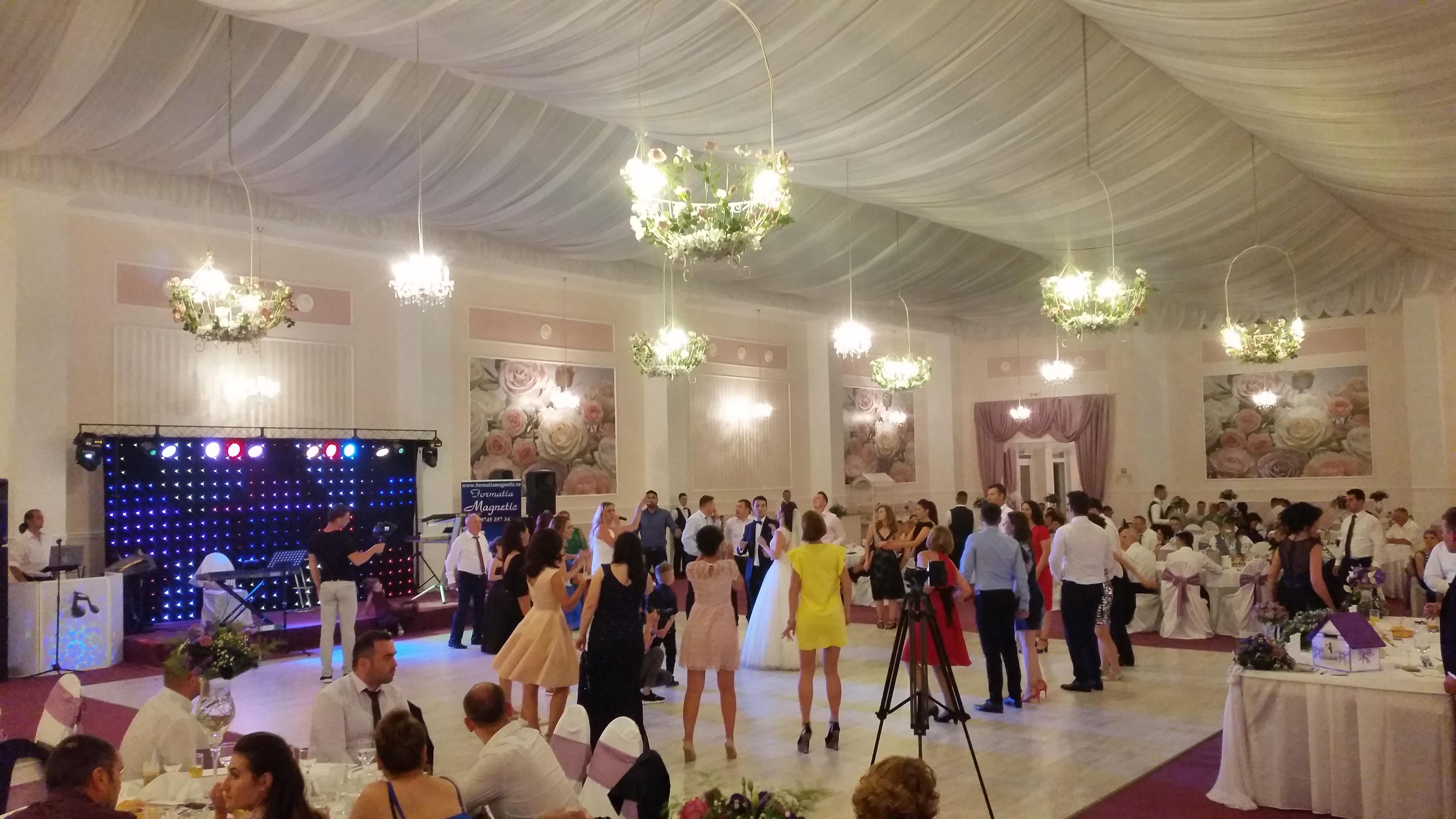 Formatii nunta Bucuresti | Magnetic Music Band